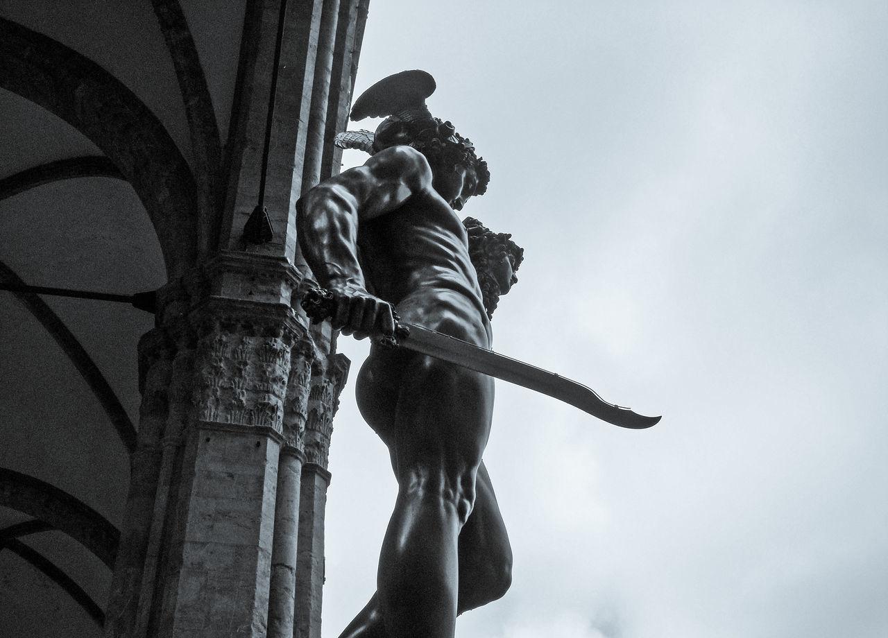 Esculturas de Florencia, Italia Art & Culture Arte Day Escultura Esculturas Y Estatuas Florence, Italy Grey Sky Raining Day Storm Clouds