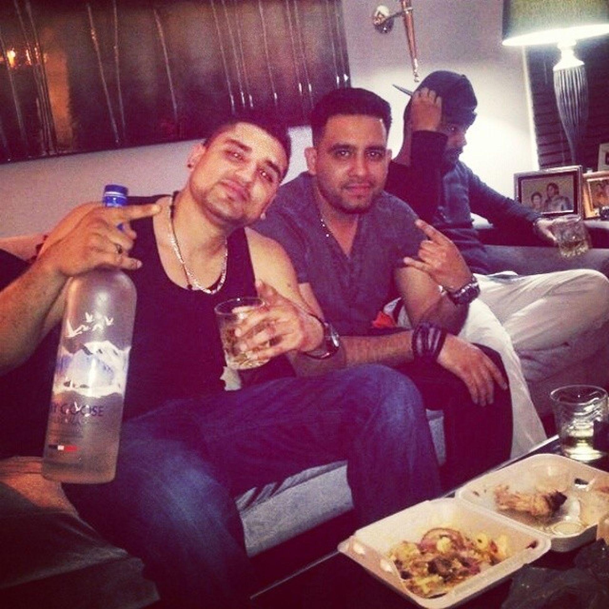 Another drunk nite.....Drunkmissions Greygoose Bros Love .... @garysandhu1991 @ferozepauleyy @adipaul111