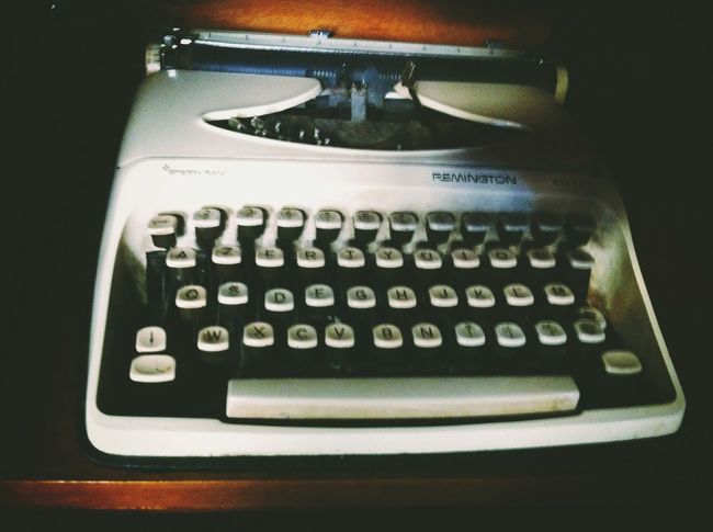 Writing Machine  Typewriter Vintage Vintage Stuff Old Retro Retrolux Tirana Albania Radio Bar