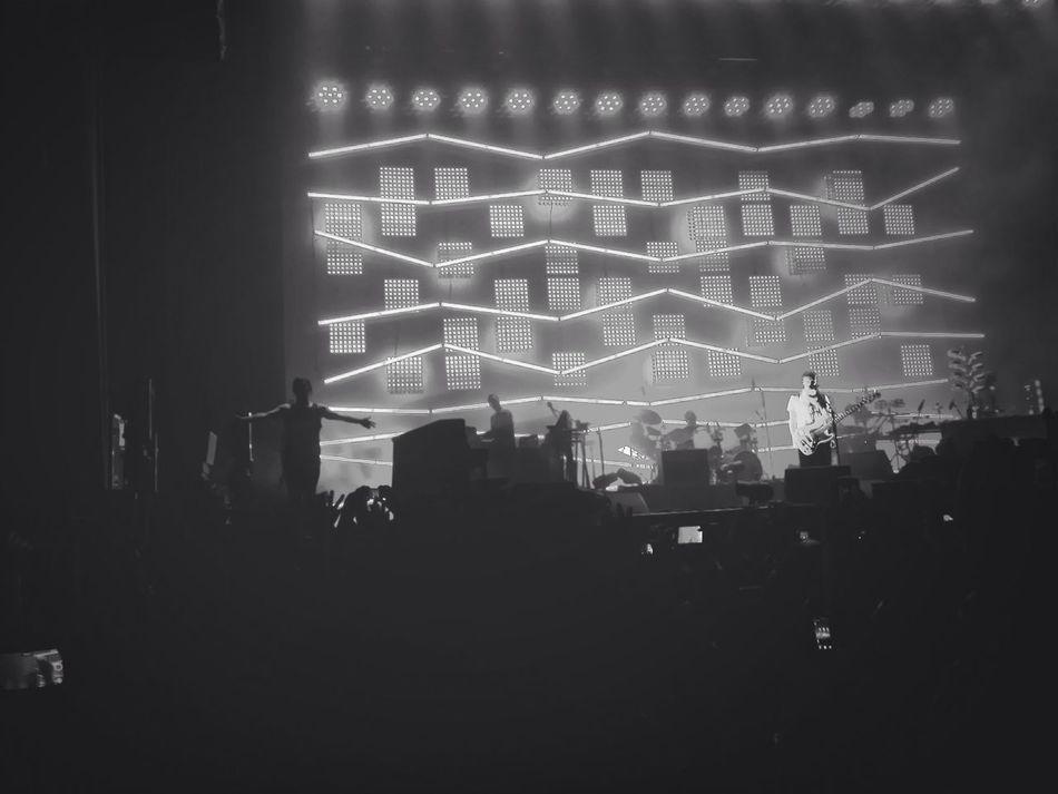 Atoms Concert