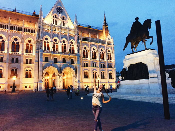 #budapest #parlament Travel Destinations History Tourism Architecture Travel Vacations Statue