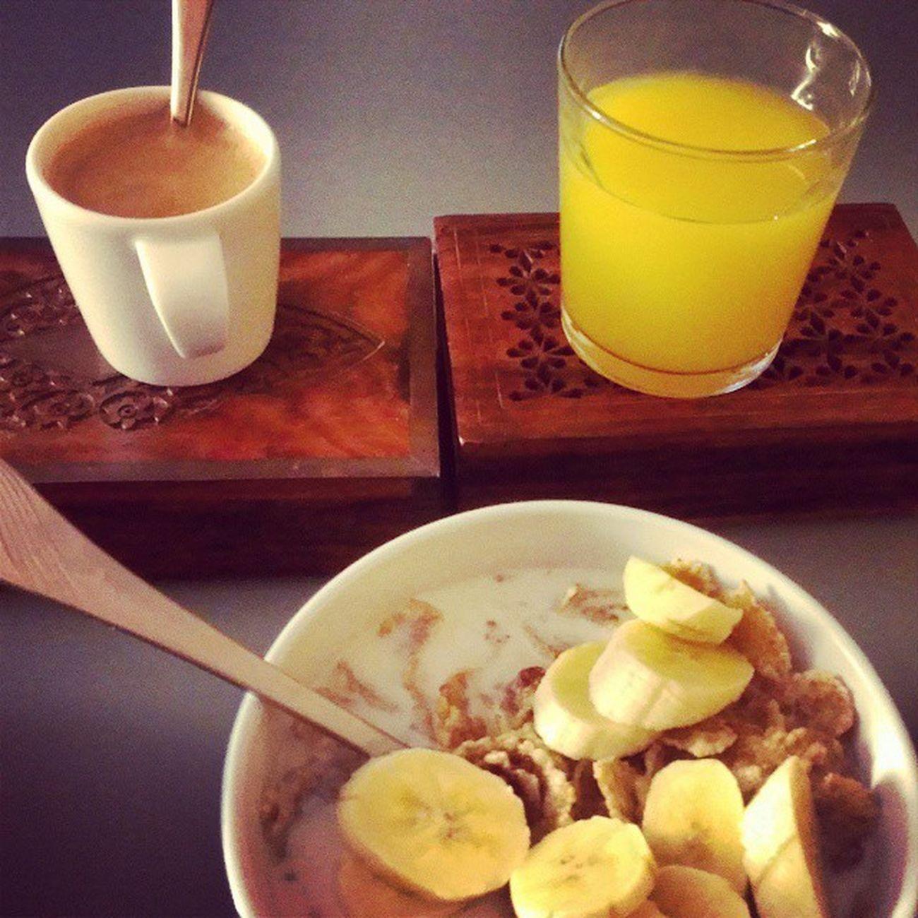 Me quedan 3 horas para comer, pero aún así yo desayuno bien !! Desayunos Buenosdias Morning Picsoftheday instagood instadesayuno breakfast instabreakfast foodpic foodgasm foodporn likeforlike f4f iggers instamisdesayunossonlahostia corn juice espresso coffeeholic coffeelovers