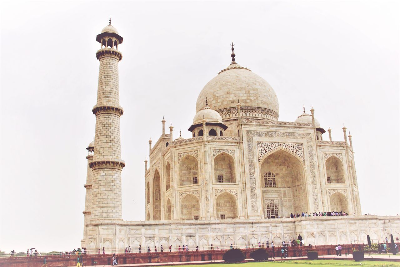 Travel Destinations Cultures Architecture Dome City History Outdoors Sky Day Winter Finding New Frontiers EpicFeeling Adventure Landofmagic Hidden Gems  Rare Biketour Retro Styled Thetajmahal OneAndOnly Beauty Symboloflove Adapted To The City Miles Away