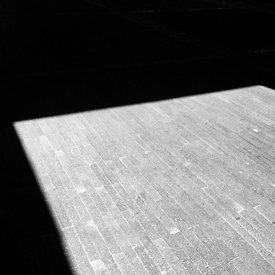 方 影子 Shadow Noon Black And White Summer