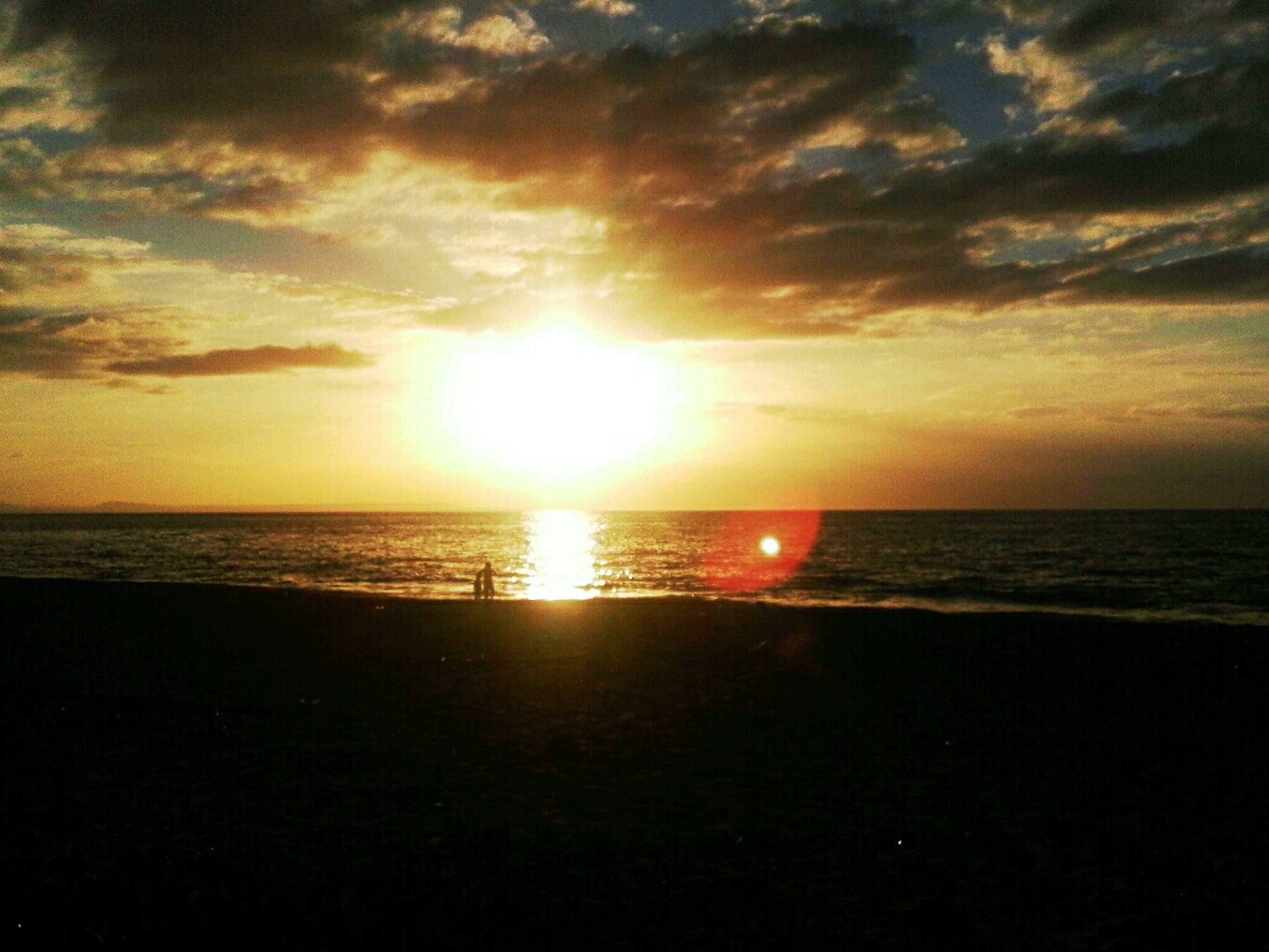 horizon over water, sea, sun, water, sunset, scenics, sky, tranquil scene, beauty in nature, tranquility, beach, reflection, idyllic, sunlight, nature, cloud - sky, shore, sunbeam, cloud, orange color