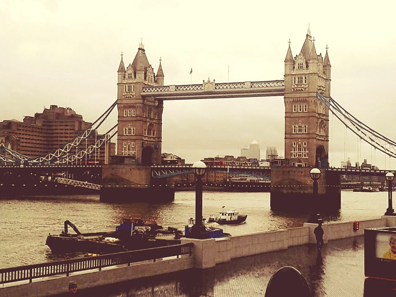 LONDON❤ London Tower Bridge  Towerbridge Hello World Taking Photos Hanging Out Enjoying Life Travel Photography Holidays Worldwide See What I See Travelling Travel Destinations Colour Of Life Worldwide_shot England🇬🇧 England Great Britain Großbritannien Landscape #Nature #photography Capture The Moment Landscape_Collection Brücke Bridge - Man Made Structure