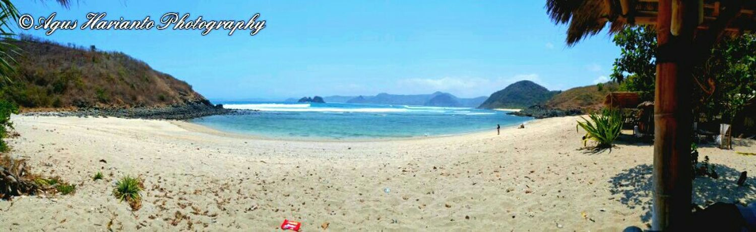 Mawi beach - Lombok Check This Out Enjoying The Sun Livingthedream Agus_harianto_photography Swimming Surflombok Lomboksurf Surfing Nature On Your Doorstep Sunshine