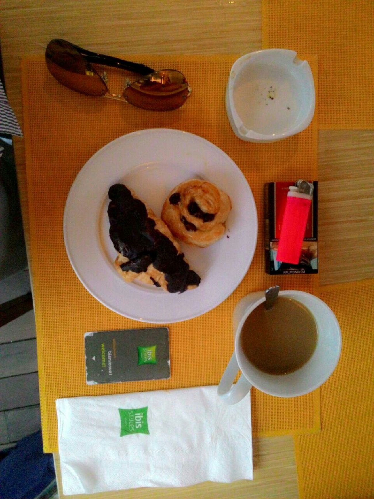 Morning, morning my sunshine morning my world morning all my friends and lets take your breakfast Taking Photos Men's Story Goodfood Male Breakfast ♥ Croissant Hotcoffee Cigarettes😄☕🍮