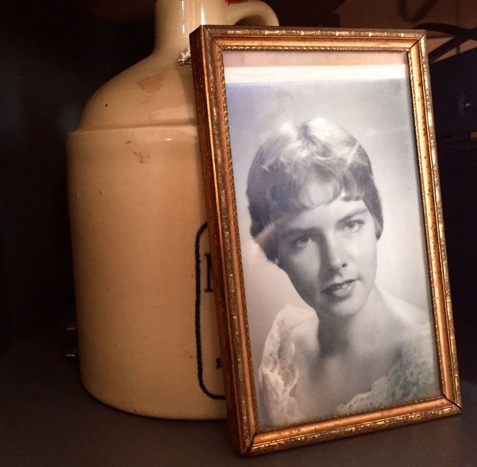 Vintage picture of a beautiful lady Indoors  Picture Frame Real People Close-up One Person Day People Vintage Photograph Lady Women Woman Headshot Antique Portrait Old Golden