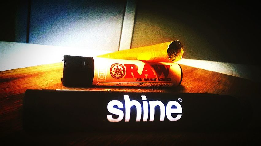 Raw Papers Clipperlighter Shinepapers 420life 24KT Gold Weed Weed Life Weed Smoker Weed <3 WeedPorn Gold Joints