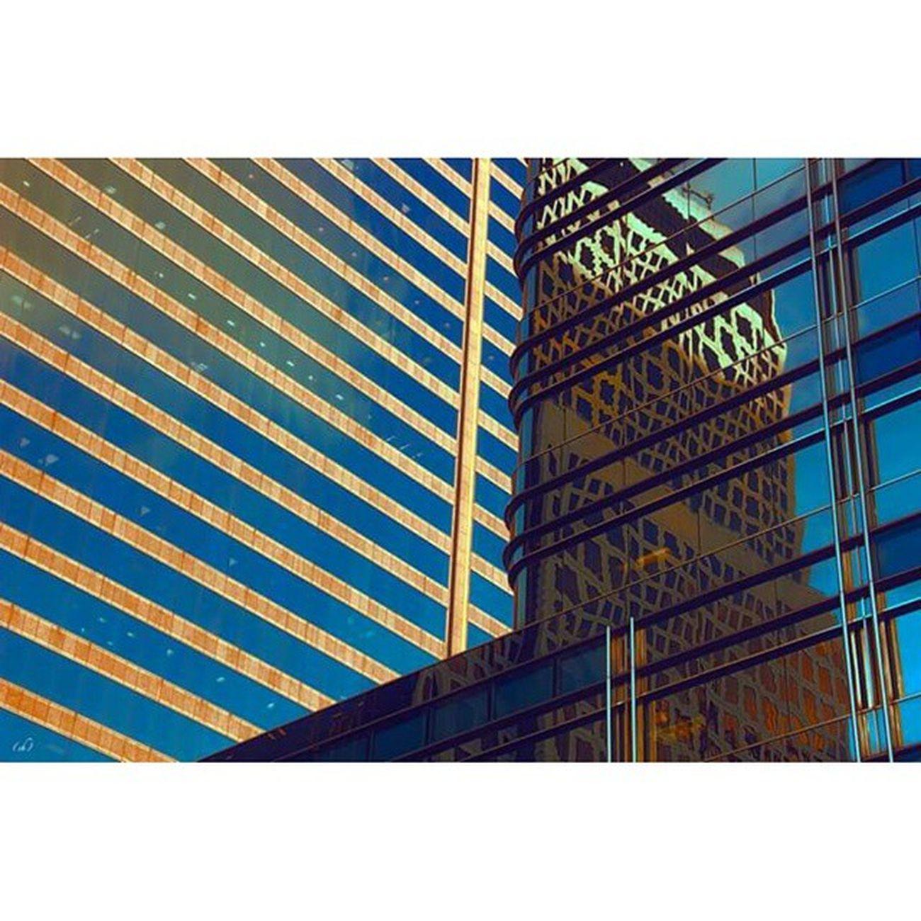 Ardant Miami Brickell Architecture Mirror Miroir Downtown Building Double Blue Gold Followme