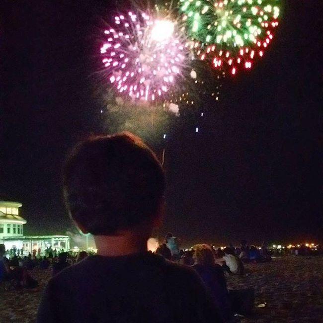 Fireworks fun last night on the beach couldn't be better Wemisstheocean IwantToLiveThere Hamptonbeach