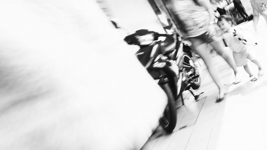 Motion Life Mother And Daughter Streetphotography Monochrome