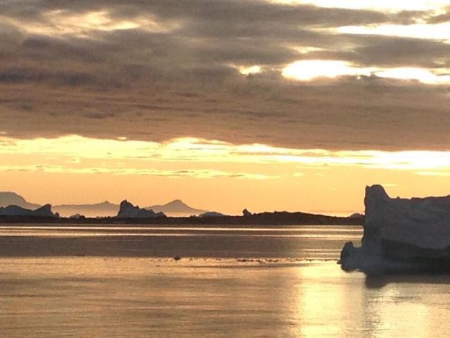Midnightsun Midnight Sun Ilulissat Beauty In Nature Beautiful Nature Wonderfuld Greenland Icecube Art