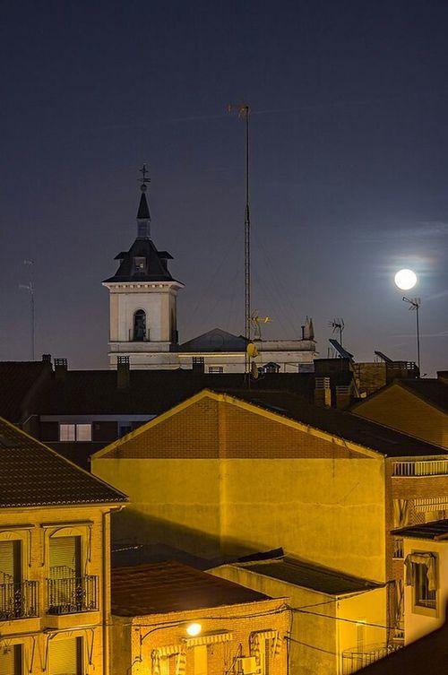 Iglesia de San Esteban en noche de luna llena. Luna Llena Fuenlabrada Fotografía Nocturna Night Night Photography