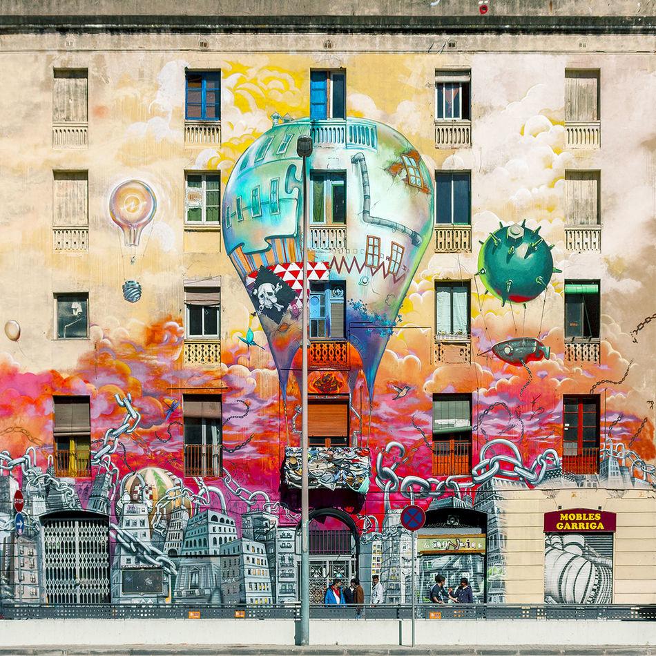 The housing bubble | La burbuja inmobiliaria Architecture Straightfacade Awesome Architecture Graffiti
