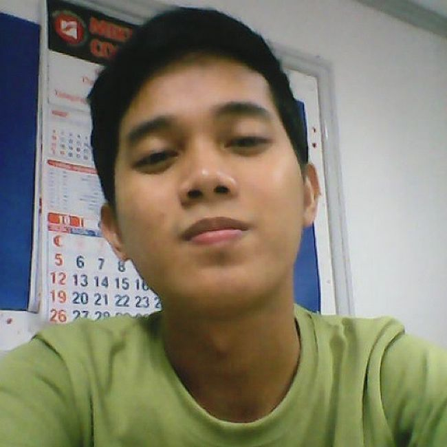 selfie muna bago uwi --happy o.t hahaha :) Vain OT MonthEnd Kayara GreenME Out 102514