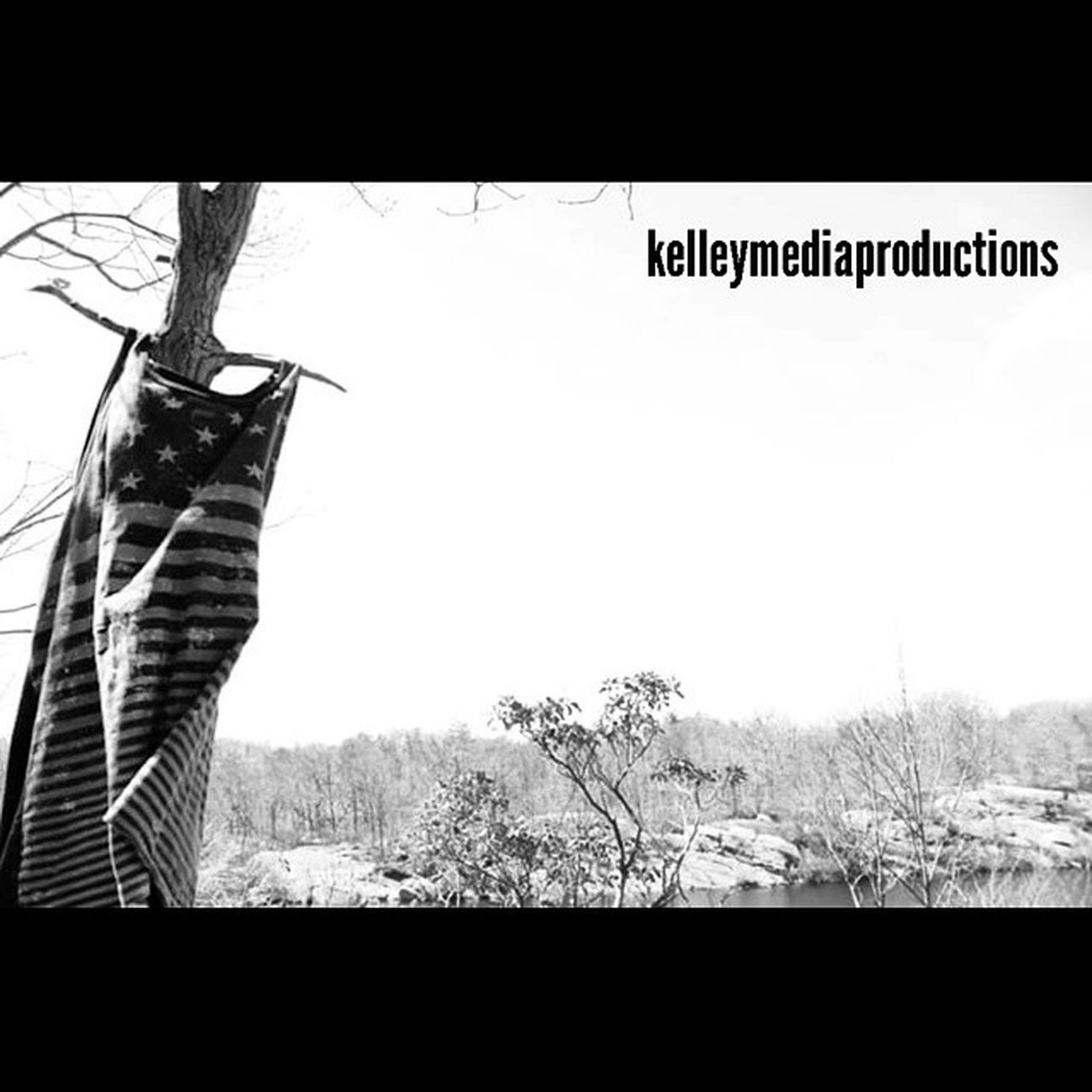 Trees wear clothes sometimes too. Kelleymediaproductions Nature Naturephotography Outdoor Hiking Hikingphotography Blackandwhite Blackandwhitephotography Photographersofinstagram Amateurphotographer  Americanflag Tanktop Skies Stayrad