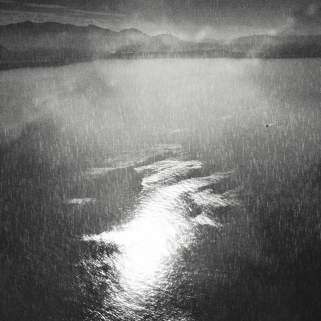 Floating 1.0 Traveling Blackandwhite Light And Shadow Black And White Monochrome Creative Light And Shadow ArtWork Black & White EyeEm Best Edits EyeEm Best Shots - Black + White