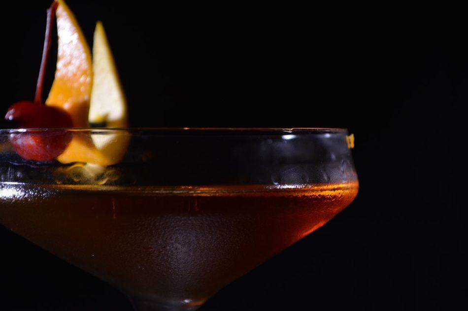 Manhatan Cocktail by Harris Kokoridis Photo taken by @dio_kal Cocktails Manhattan Bar