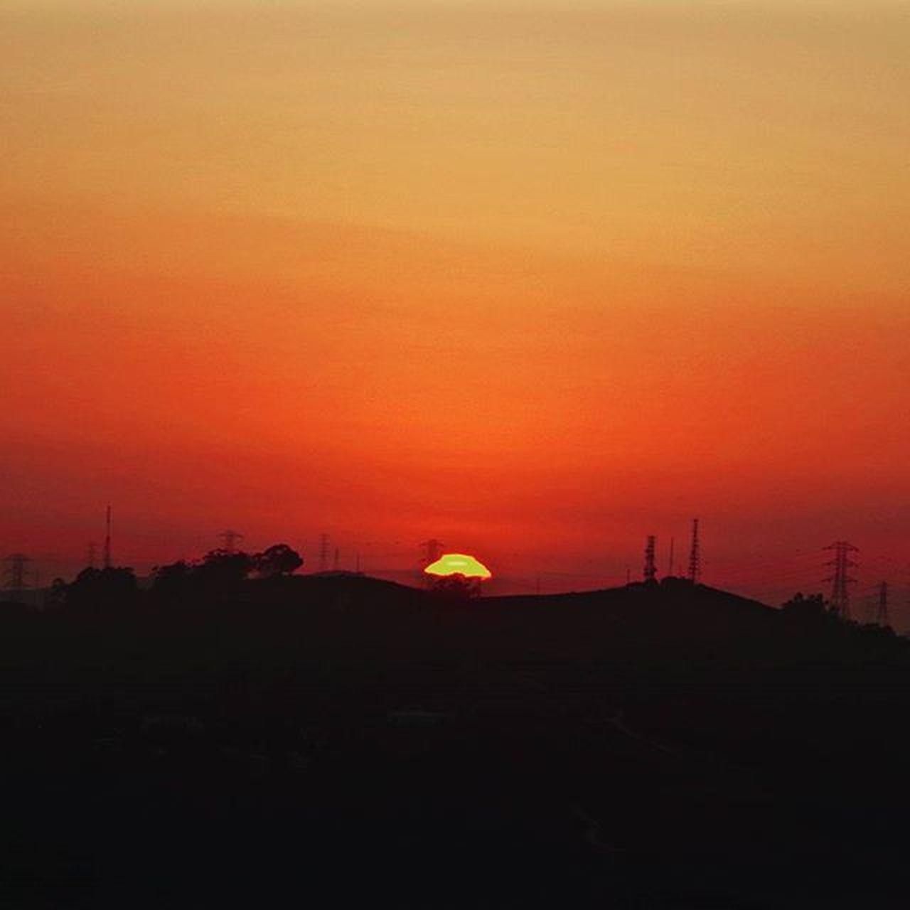 Sunset <August 22> Sunsets are one of the most beautiful things. Augustphotochallenge Viewfromafar Sunset GodIsGood GodsGlory Gorgeous RedSky Pentax Pentaxcamera Pentaxk50 Pentaxiansstandup Pantaxagram Pentaxiansunite