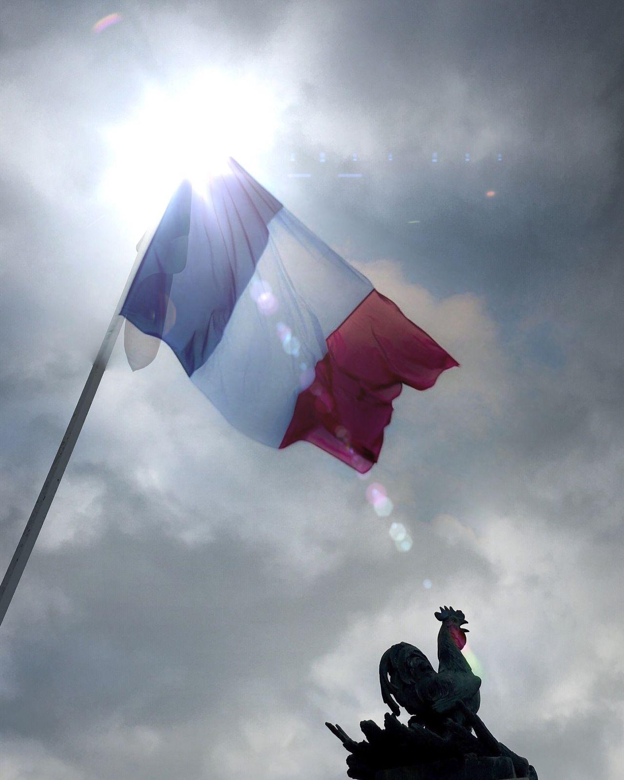 mpossible n'est pas français! Impossible N'est Pas Français Frenchflag Flag Anthem Cock Patriotism France Tricolor Symbol Symbolism #impossiblenestpasfrancais #france #frenchpeople #anthem #tricolor #flag #frenchflag #frenchcock #cock #marseillaise #allonsenfantsdelapatrie #vivelafrance #vivelafrance #patrie #iphoneography #iphoneography #eyeem IPhoneography Monument Sky Showcase: February Eyeemcommunity