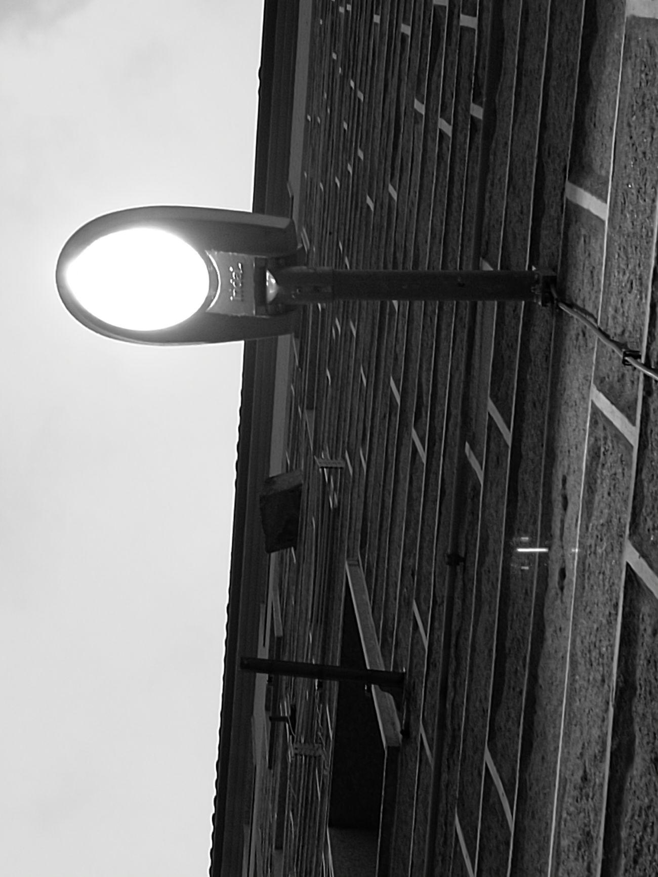Y se hizo la luz. Reflejos Monochrome Blackandwhite Photography Original Photo Huawei P9.