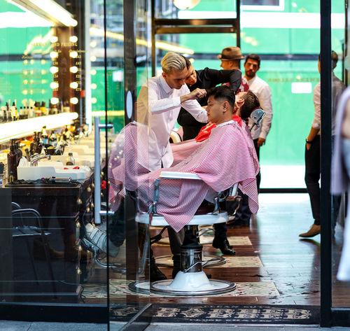 Grooming Barber Beauty Gentlemen Grooming Hair Haircut Hairsalon Hairstyle London Manscape Men Mens Grooming Pamper Salon Street Photography Streetphotography London Lifestyle EyeEm LOST IN London Postcode Postcards