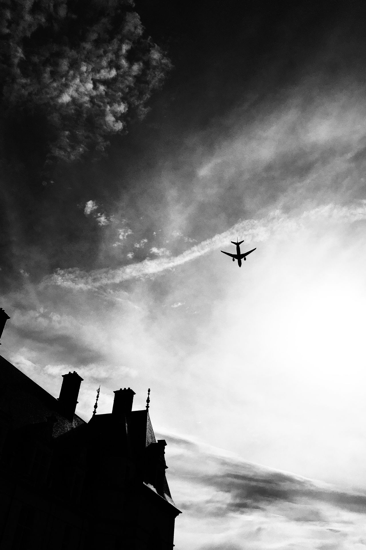 Avion Plane Architecture No People Black And White Castle Outdoor