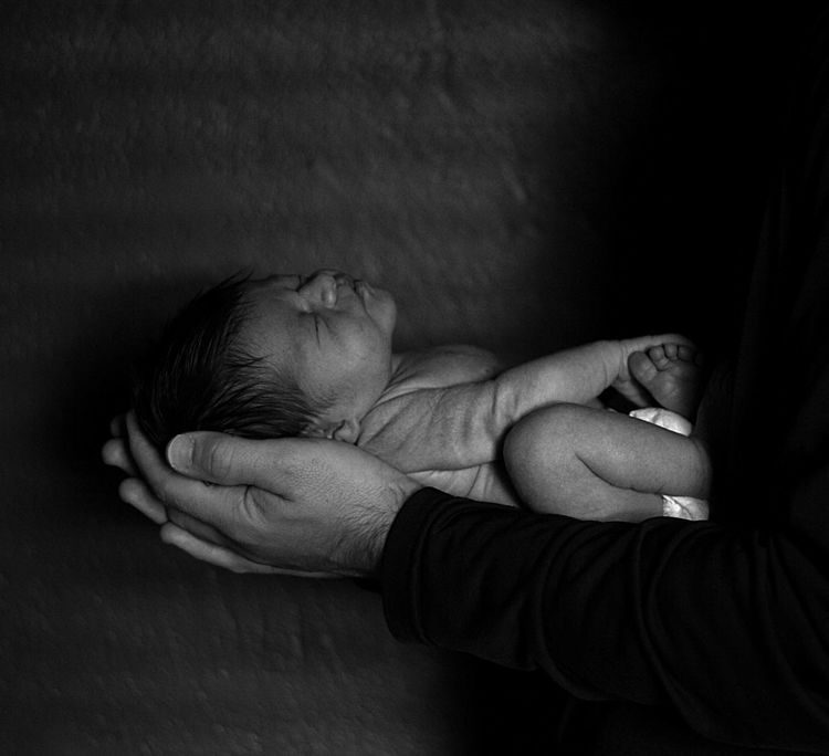 Fatherhood Moments Home Is Where The Art Is Home is Where the Art is Night Night, Sleep Tight Newborn Baby Father Holding NewBorn Photography Sleeping Sleep Light And Shadow Portrait Parenthood Parenting Responsibility Responsibilities My Year My View