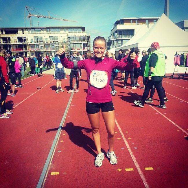 I dag har jeg ikke bare deltatt i mitt første maraton, men også fått være med å bidra til forskning på ryggmargsmedisin for de som ikke kan løpe Wingsforlife Worldrun Runforthosewhocan 't