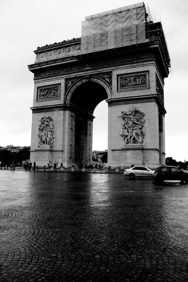 On the day I visit, they had to do renovation on the Arc De Triomphe and it just had to rain... Showing Imperfection Paris France Disappointed Blackandwhite Black And White Black And White Photography Streetphoto_bw Streetphotography Street Photography Travel After The Rain Rainy Day Capture The Moment EyeEm Best Shots EyeEm Gallery Eye4photography  From My Point Of View Tourist Attraction  Blah The Purist (no Edit, No Filter)