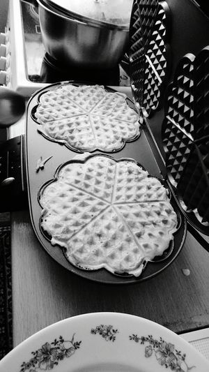 Taking Photos Food Photography Foodporn Waffle Brunch Around The World Food Porn Awards Food Breakfast Shades Of Grey Monochrome Photography Monochrome Close-up Texture Photography Directly Above Photo Contrast Detail