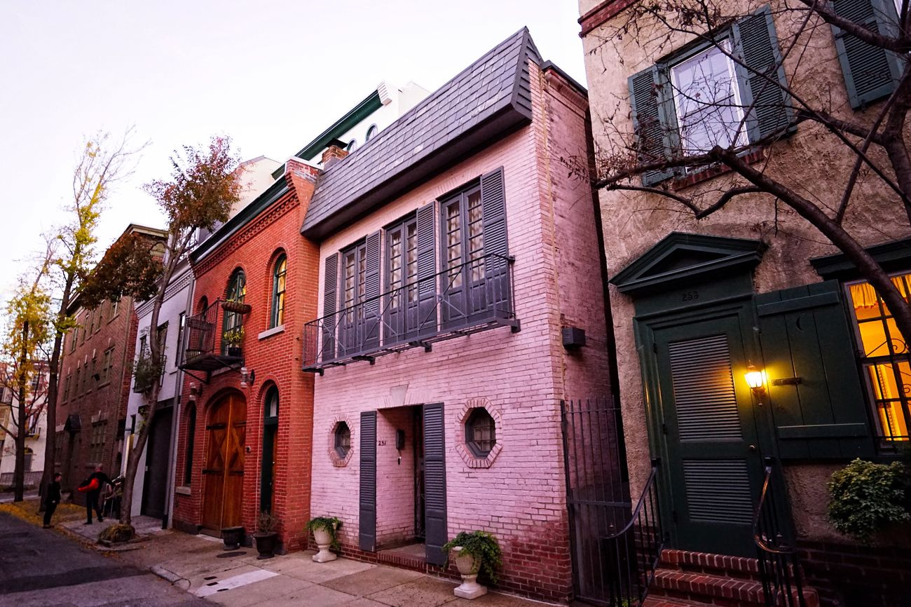 Philadelphia's Charming Neighborhoods- Vanpelt Street, A Mew Architecture Built Structure City Street Philadelphia Historic Colonial Mew Carriagehouse Cityscape Urbanlandscape Philly