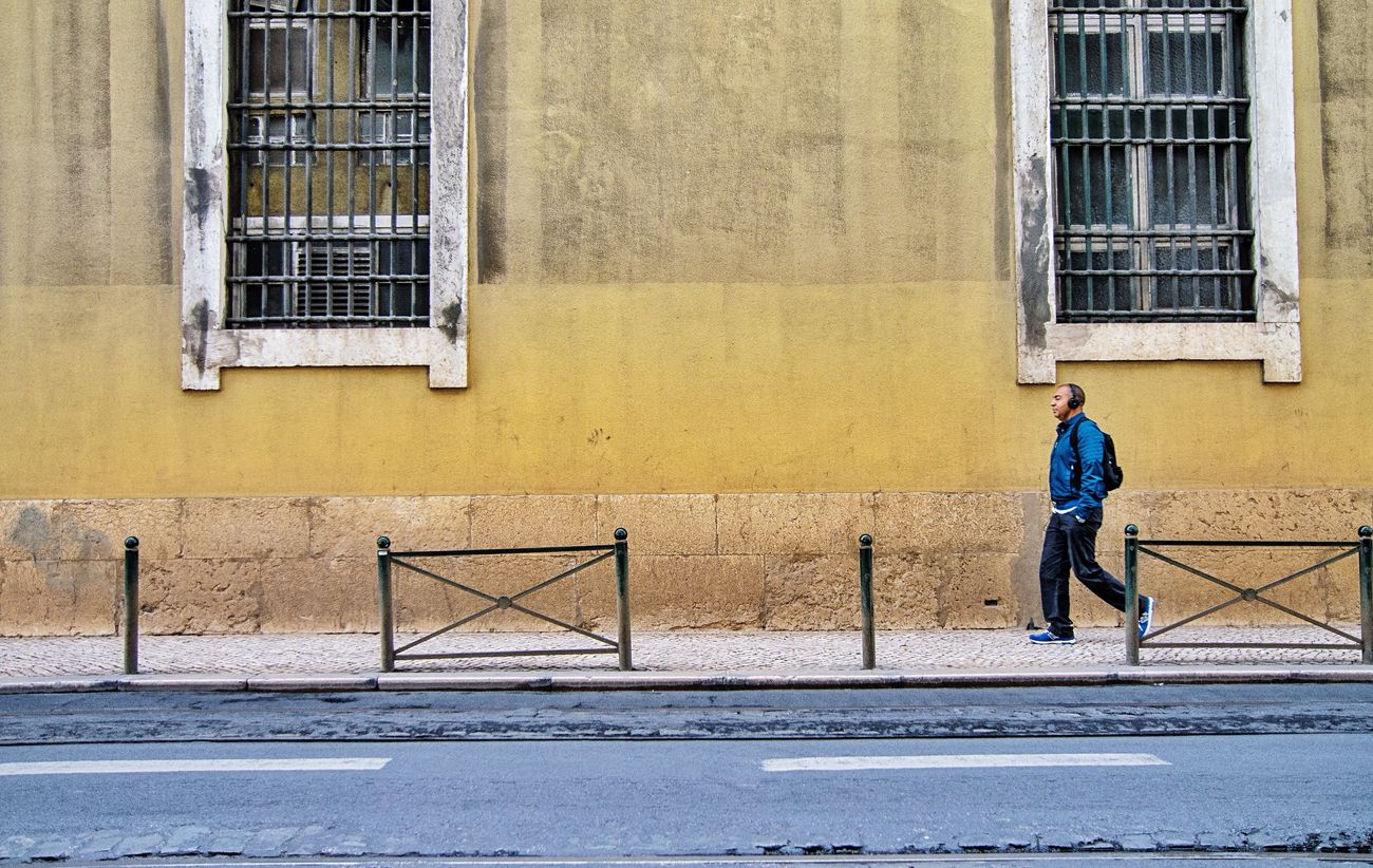 SIMPLY People Watching On The Road Music Flow Scenery Shots Headphones Color Portrait The Street Photographer -2016 EyeEm Awards Walking Around Taking Pictures Lisbon What Are You Listen To Street Life From My Point Of View