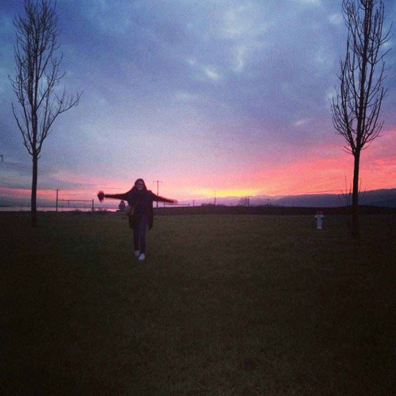 enjoying the sunset @ IKEA Sunset That's Me FeelLikeALittleGirl :)
