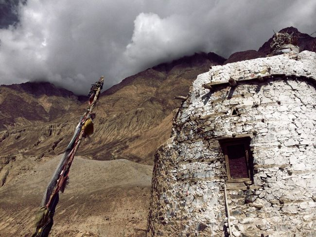 Mountain Cloud - Sky Scenics Tranquil Scene Sky Travel Destinations Tourism Rock Formation Non-urban Scene Nature Beauty In Nature Cloudy Tranquility Outdoors Rocky Mountains Extreme Terrain Mountain Range Physical Geography Day Geology India Ladakh JammuandKashmir