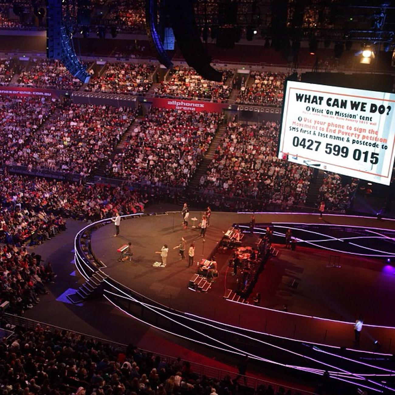 Hillsongconf joining with Micahchallenge for Halvepovertyby2015 - Endpoverty