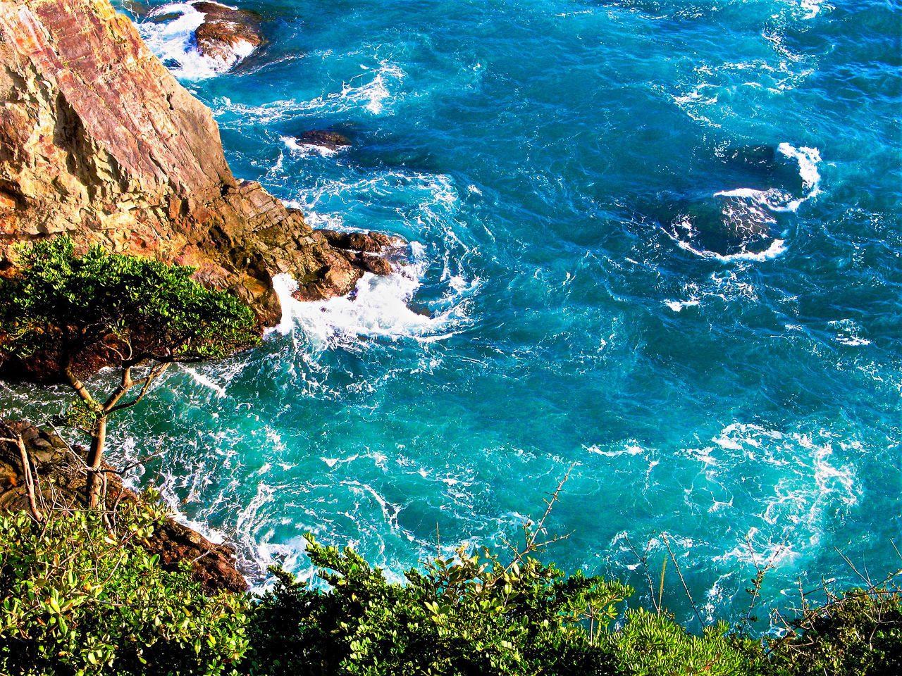 nature, sea, beauty in nature, rock - object, water, no people, scenics, outdoors, wave, day, motion, blue