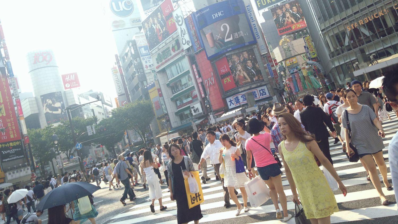 あと 何度 この交差点を渡るのだろう。 No Standard World Crossroads IPhoneography Street Photography Summer2015 A Day Of Shibuya Tokyo,Japan