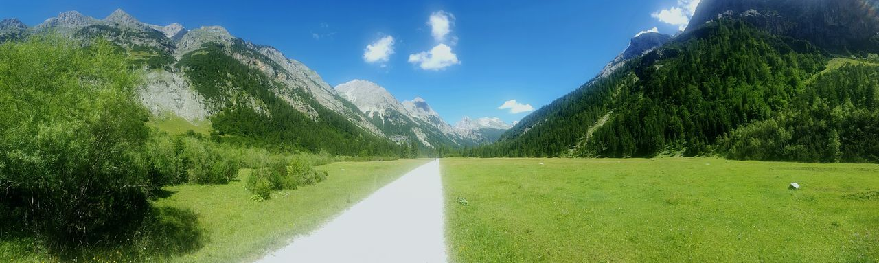 Österreich Karwendel Mountains Path Way Grass Forest Outdoors Showcase August Naturelovers Nature Austria Way To Go Miles Away
