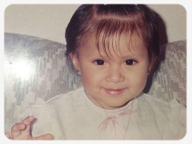 Quien será esta niña? Pos yooo xD dicen que mi hija se parece a mi de bebe
