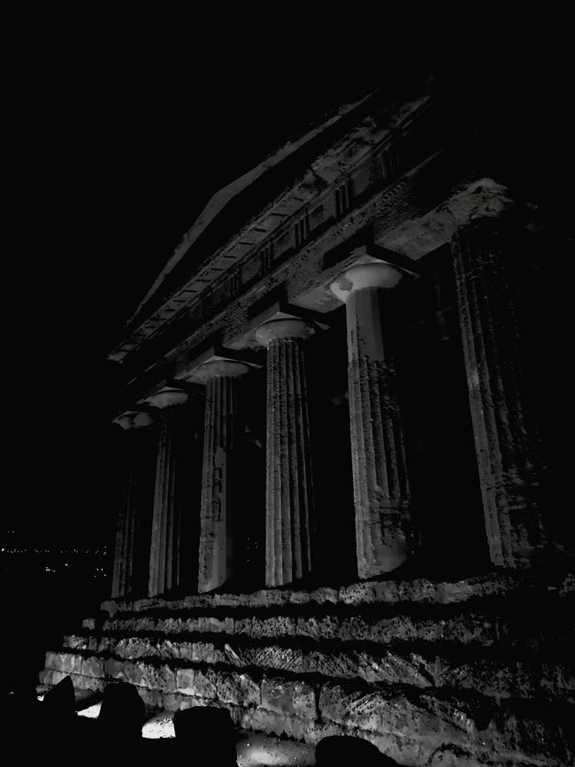 Sicily Italy Agrigento Valle Dei Templi Black And White Black & White MagnaGrecia History Colonnade Famous Place Architectural Column Architecture Ancient Civilization Tourism Monochrome Monochrome Photography Monochrome Photograhy
