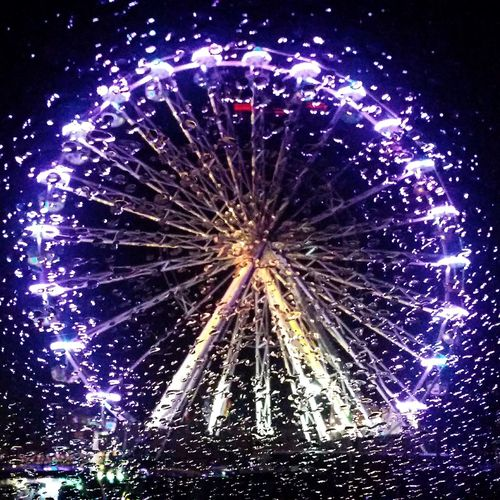 Als dann der Regen kam..... Celebration Arts Culture And Entertainment Night Illuminated Multi Colored Sky Outdoors From My Point Of View Popular Photos Riesenrad Volksfest♥ Eye4photography  Amusement Park Reflection Eyem Best Shot - My World Cityview City At Night Raindrops Rain