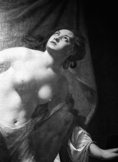 Italian Art Paint Palazzo Braschi Art Black And White Photography Blckandwhite Day Il Suicidio Di Lucrezia Indoors  Italian Artist Painting Art Painting Details Portrait Simon Vouet Black And White Friday EyeEmNewHere Be. Ready.