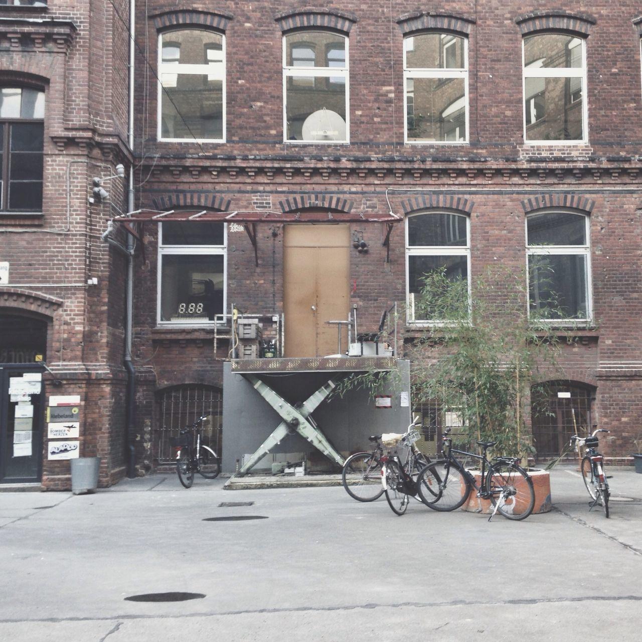 Beautiful stock photos of jagd, Architecture, Berlin, Bicycle, Building Exterior