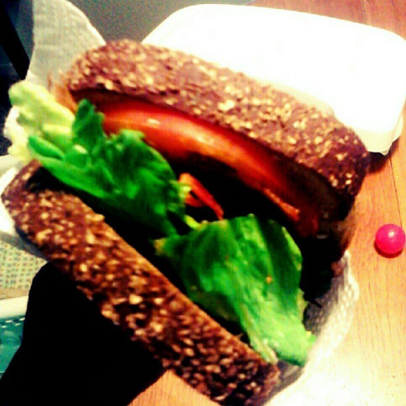 BLT! #blt #sandwich #foodie #snack #yum Snack Yum Sandwich Foodie BLT Nylonsnack