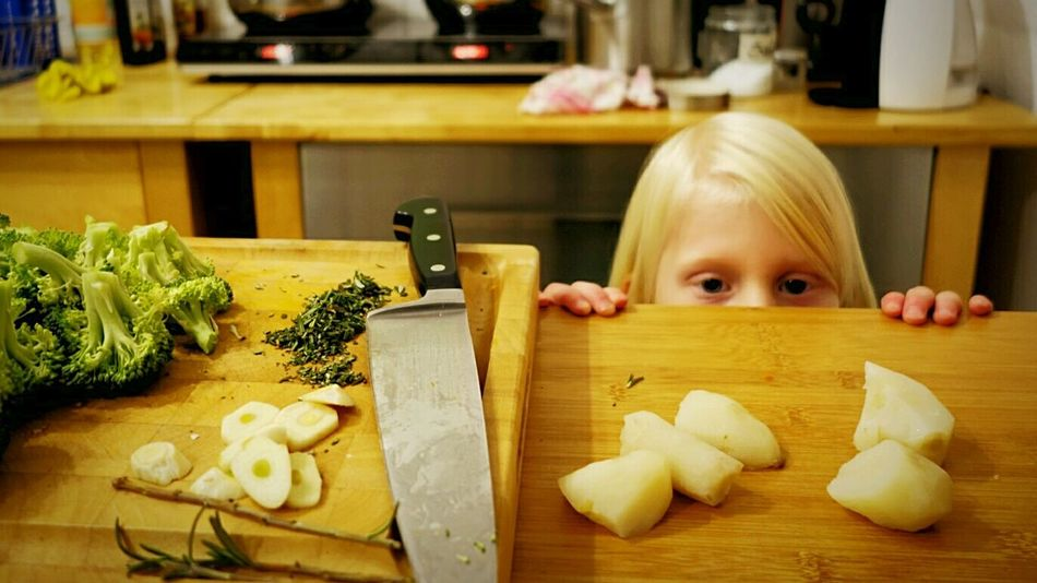 EyeEm Gallery Selfmade Food Foodphotography My World Of Food What's For Dinner? Cooking Dinner Family Dinner Kidsphotography Kids Portrait Home Cooking Cooking Vegan Cooking Time Enjoying Life Kitchen Stories KitchenBoss