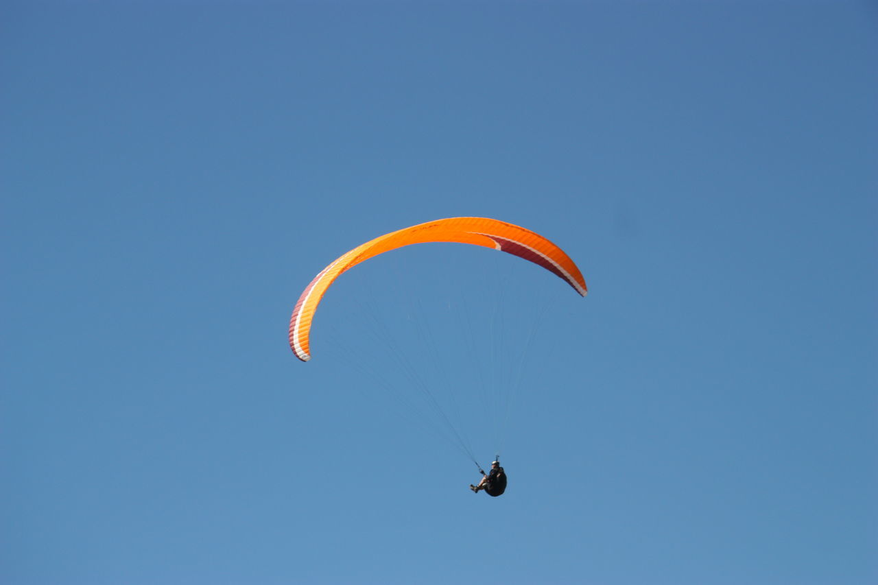 Air Vehicle ASA At The Beach Aviate Bougie Clear Sky Exhilaration Extreme Sports Fleet Flow  Fly Gliding Moving Up Paraglider Paragliders Paragliding Parasail Parasailing Parasailor Sail Skydiving Summer Vela Wind Wing