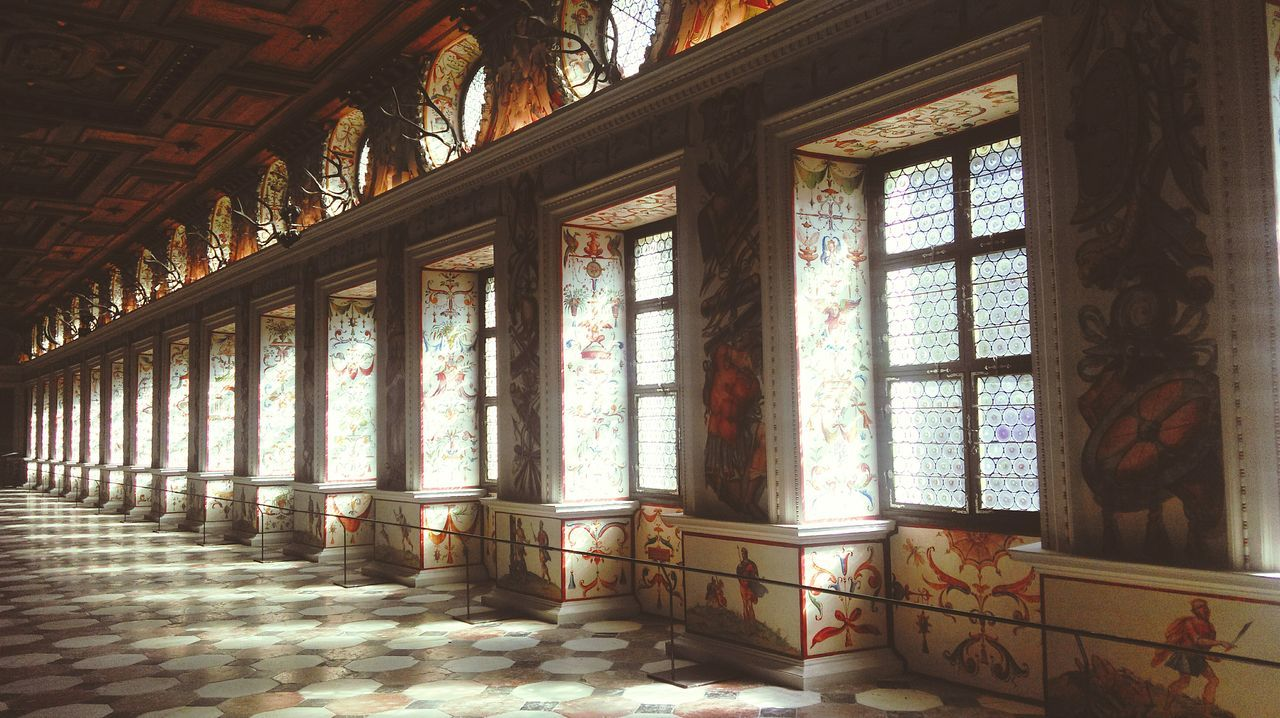 Spanish Hall Castle Schloss 🏤 Castle Room Wall Painting Gracefulness Aristocracy Aristocratic Beauty Warmth Windows Wooden Ceiling